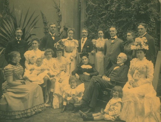 HenryCooperPitney_Family_Photo_1898
