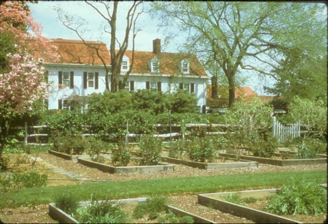 Pitney_Farm_House_and_Gardens-01